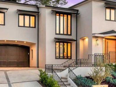 Jocy 15 House Yellow 400x300
