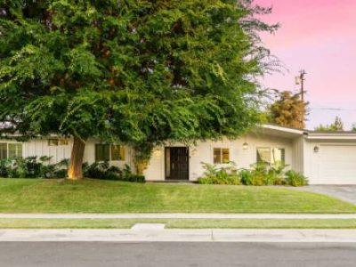 23742 Kivik Street Woodland Hills California 91367 123 400x300